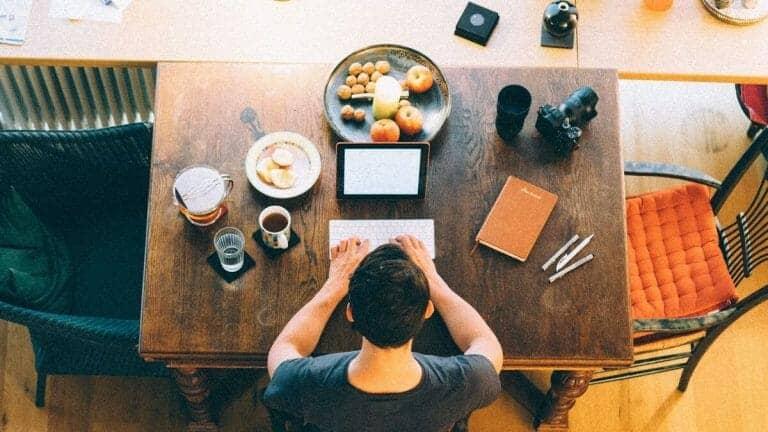 Smart Working Eating