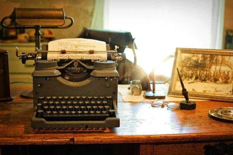 typewriter 2095754 1280
