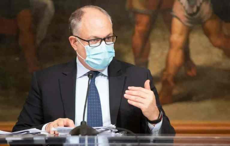 Gualtieri mask FB